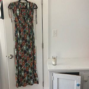 Dresses & Skirts - Envi Maxi Dress with V neck. Multi Color. Size S.